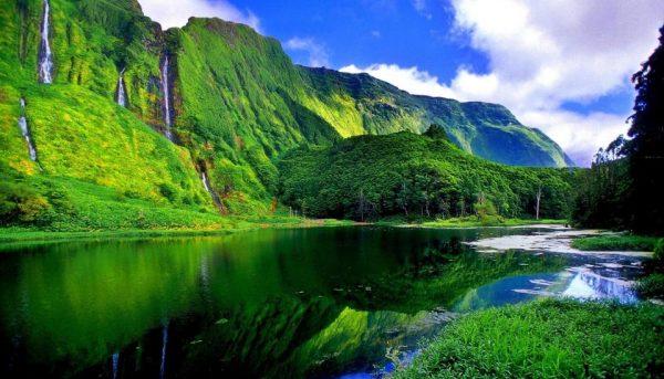 Risultati immagini per verde smeraldo azzorre